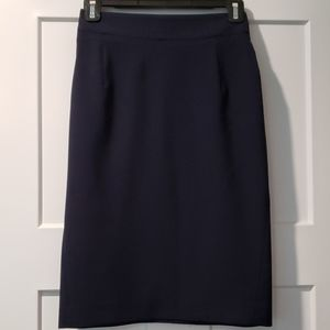 Theory navy blue pencil skirt in size 00